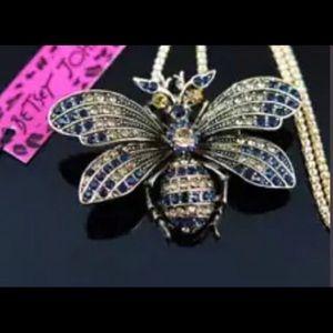 Beautiful Betsey Johnson bee necklace